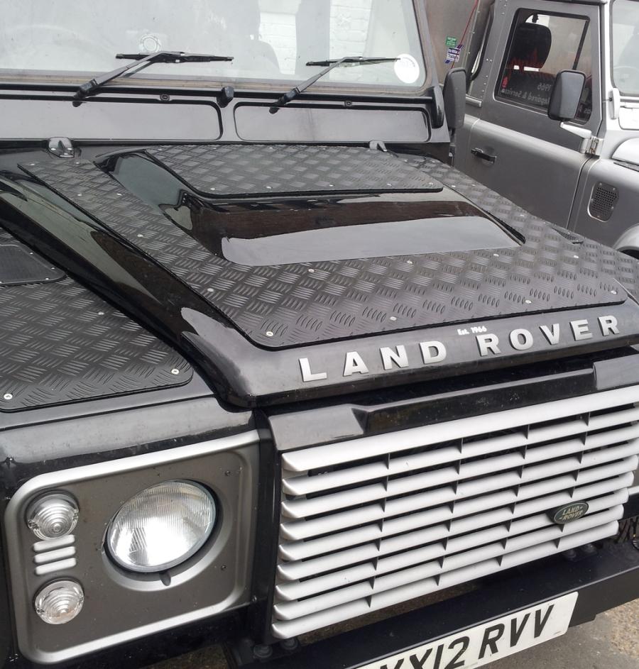 LAND ROVER CHECKER PLATE REAR CROSS MEMBER BLACK 3MM
